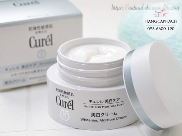 Kem dưỡng trắng da Curel Whitening Moisture Cream
